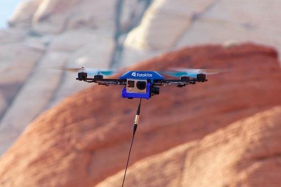 Photo of Revoluce ve focení selfies? Dron na šňůře!